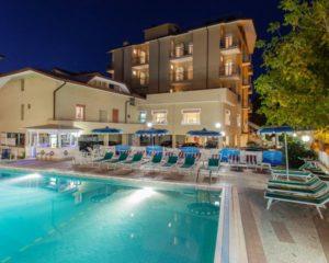 Hotel La Playa San Mauro a Mare piscina