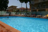 Residence Nautic piscina
