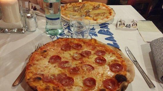 pizza della pizzeria La Baya a Milano Marittima