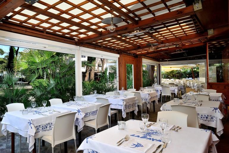veranda del ristorante La Baya a Milano Marittima
